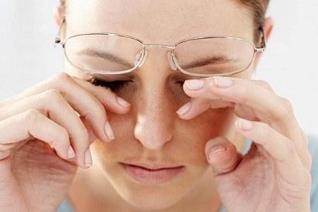 triệu chứng bệnh lậu ở mắt